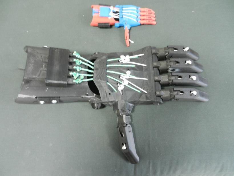 Big Hand - 2 feet